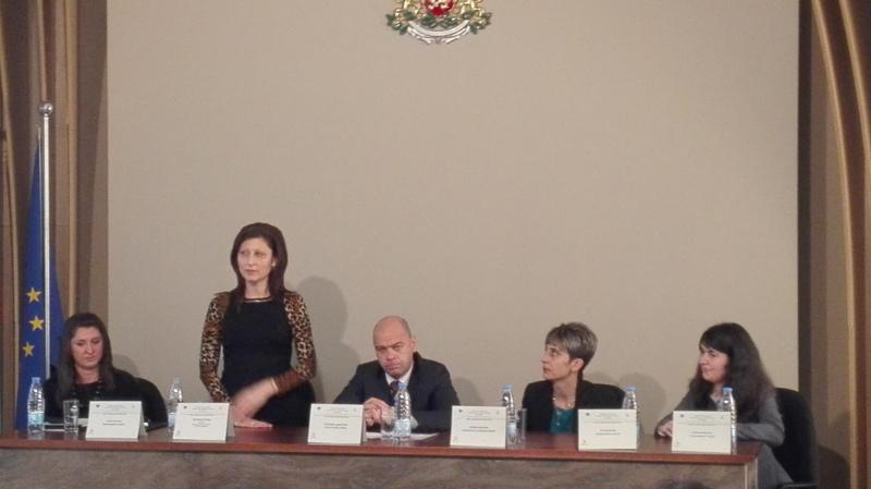 """Кметът на """"Тракия"""" представи проекта """"По-добър живот в район """"Тракия"""""""