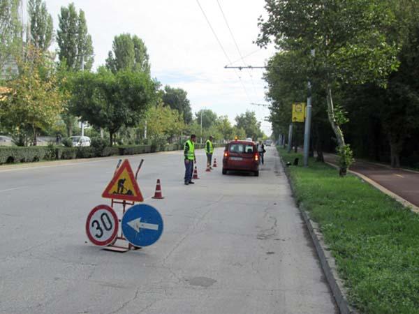 """В """"Тракия"""" отстраняват щети по пътищата след проливните дъждове"""