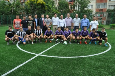 """Обновиха футболното игрище до блок 199 в район """"Тракия"""""""