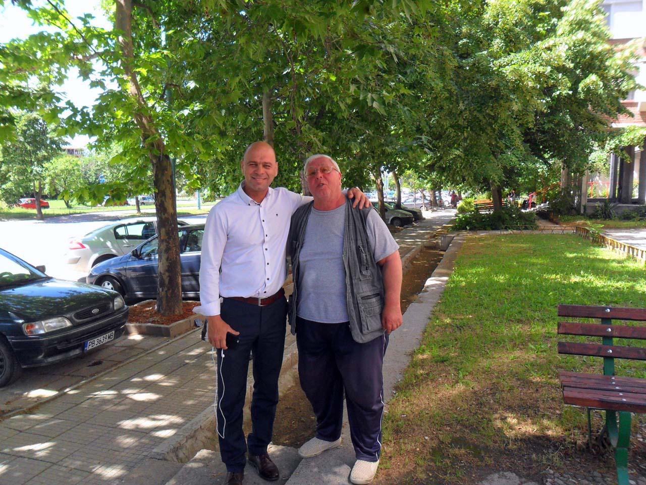 """Проектират нова улица в """"Тракия"""", продължава изграждането на нови паркинги и тротоари"""