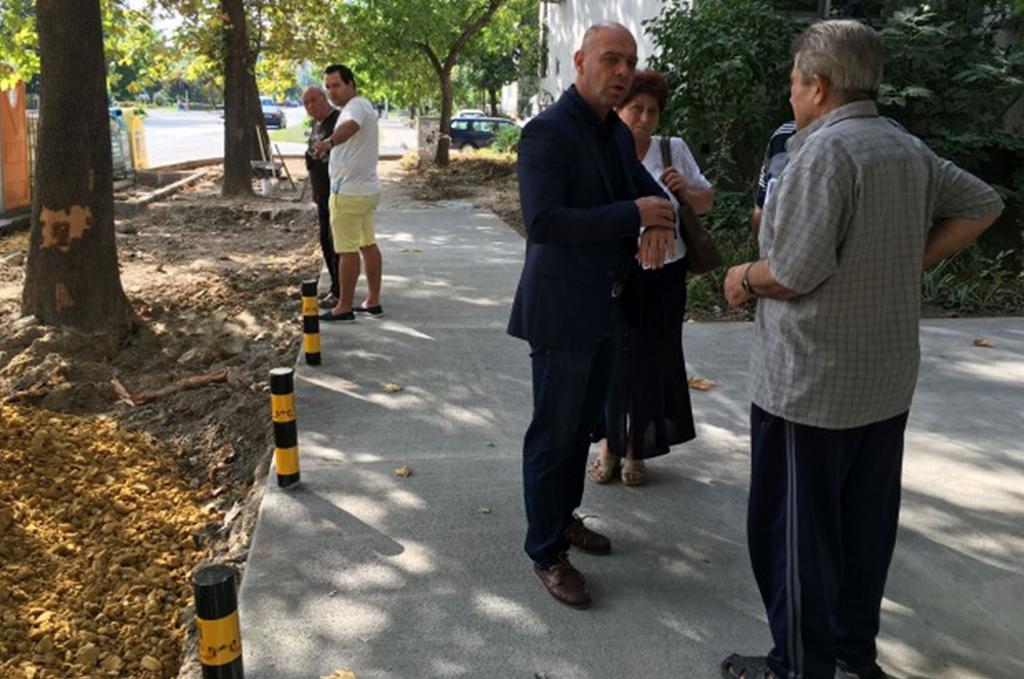 Над 2 000 квадратни метра тротоари изградиха в Тракия