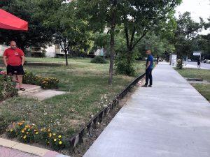 """Нови тротоари пред блок 71 в """"Тракия"""""""