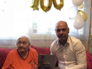 Костадин Димитров поздрави 100-годишната Надежда Шиндева за празника