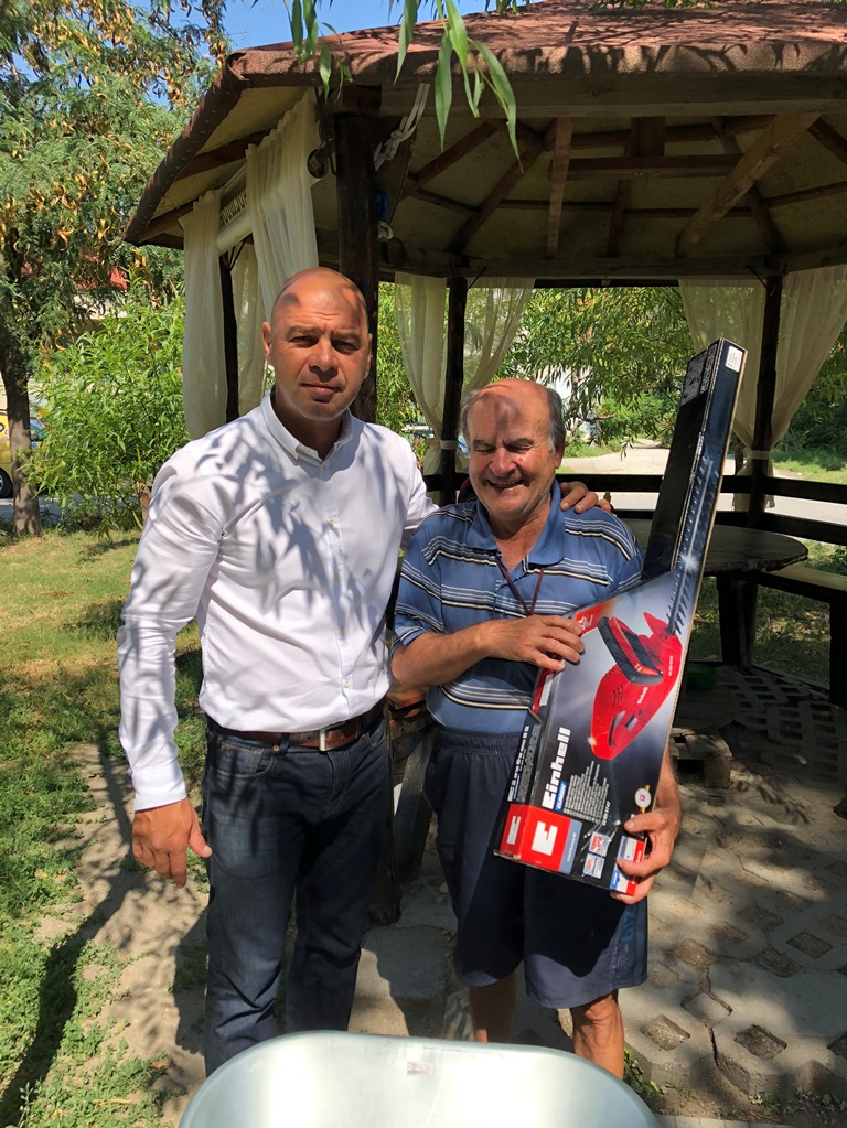 """Градинка пред блок 106 в """"Тракия"""" бе отличена в конкурса """"Цветен кът"""""""