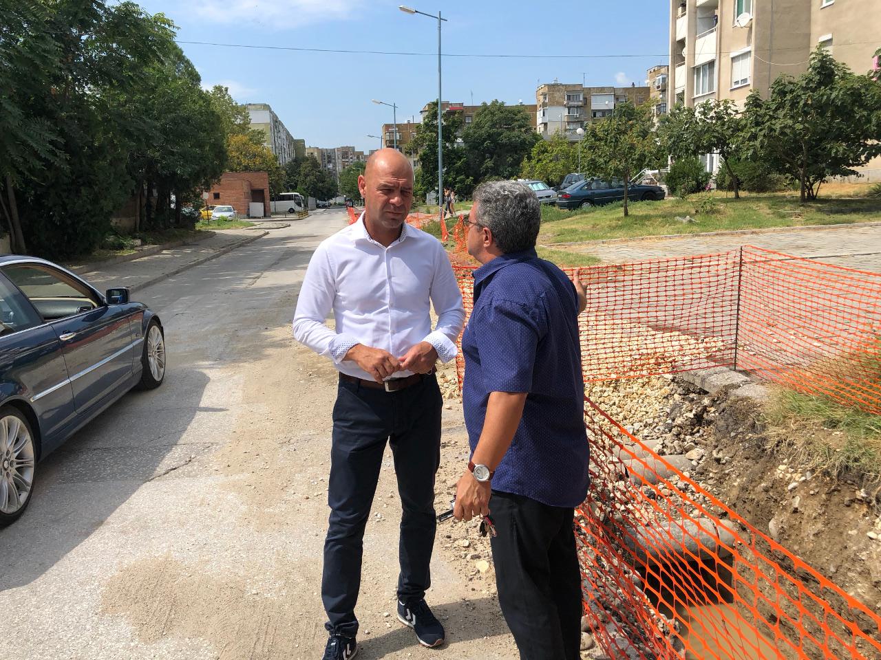 """Подменят водопроводи на улици в """"Тракия"""""""