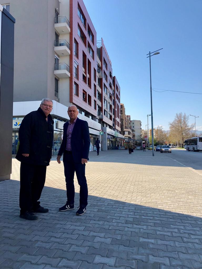 """Обновиха пешеходна зона на оживено място в """"Тракия"""""""