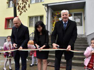 """Прерязаха лентата на обновената сграда на ДГ """"Едгар Бороу"""" в """"Тракия"""""""