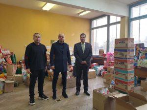"""Стотици подаръци от Операция Плюшено мече потеглиха от """"Тракия"""" към деца в неравностойно положение"""