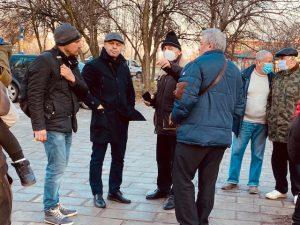 """Костадин Димитров и граждани обсъдиха предстоящ ремонт в """"Тракия"""""""