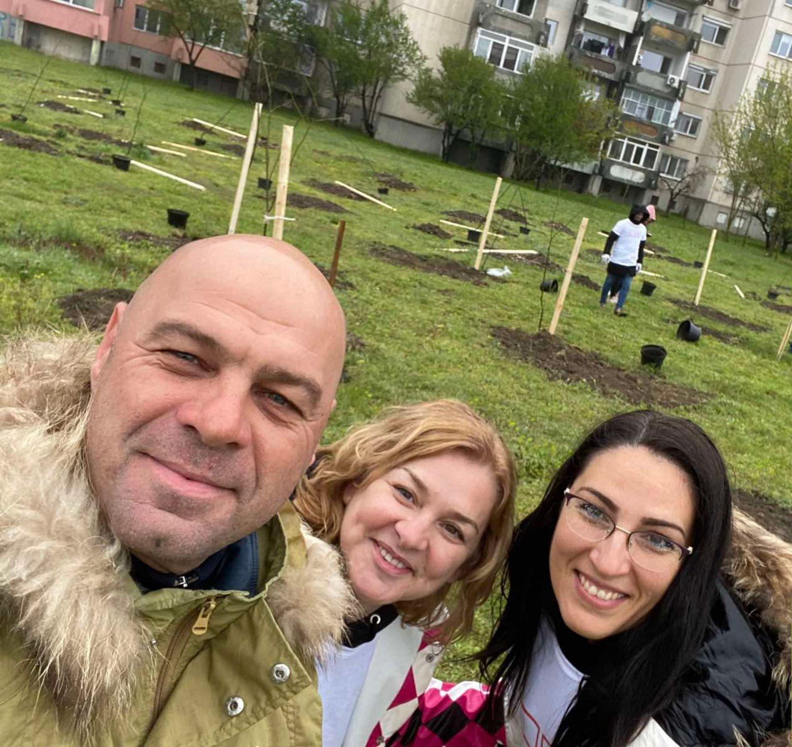 """150 медоносни дръвчета допълват зелената система в """"Тракия"""""""