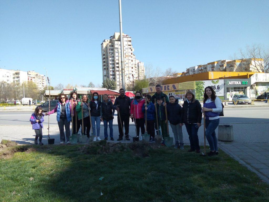Залесиха пространството до православния храм в Тракия