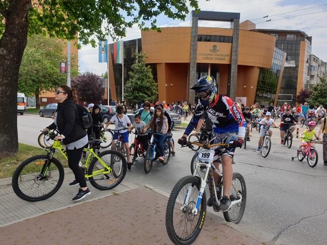 Данчо Йовчев и Костадин Димитров поведоха стотици за старта на Велосезон 2021